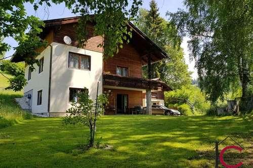 Nettes Ein-Zweifamilienhaus mit Nebengebäude in schöner Aussichtslage in Oberwöllan/Arriach