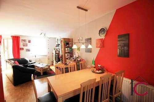 Schöne 3-Zimmerwohnung im Reihenhauscharakter mit Terrasse, Eigengarten und Balkon