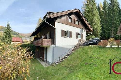 Nette, dreigeschossige Doppelhaushälfte in idyllischer Waldrandlage, nahe der Skipisten