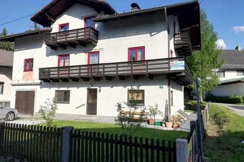 Haus mit toller, großen Familienwohnung in schöner Lage!