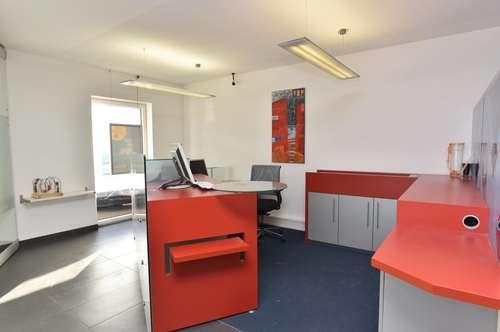 Modernes Erdgeschossbüro