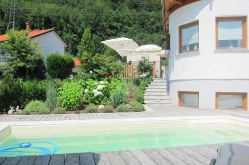 Klassisches Landhaus mit viel Platz, See und Gebirgsblick