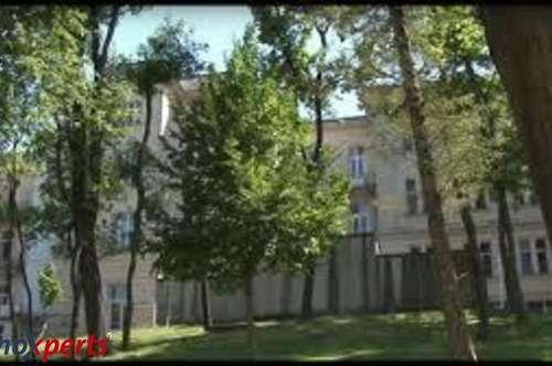 Altbau-Wohnung in bester Wohnlage mit Home Office