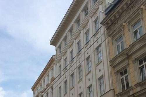 Exklusive Dachgeschosswohnung mit Klimaanlage und 2 Terrassen (83 m²) in schönem Stilhaus - unbefristet