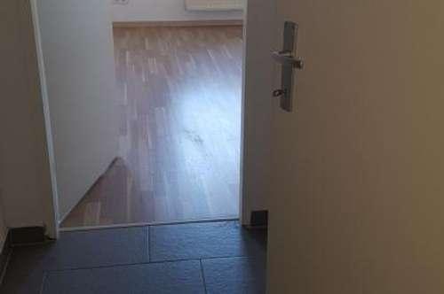 Provisionsfrei: 1 Zimmer Wohnung in Laxenburg