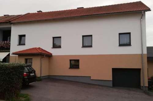 Doppelhaushälfte mit ca. 120 m² und Grünlage.