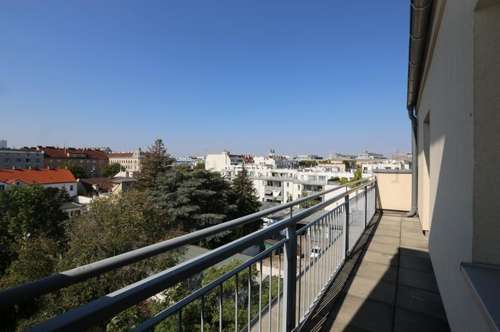 Nähe U3-Simmering - DG-Wohnung mit 2 Terrassen und Grünfernblick