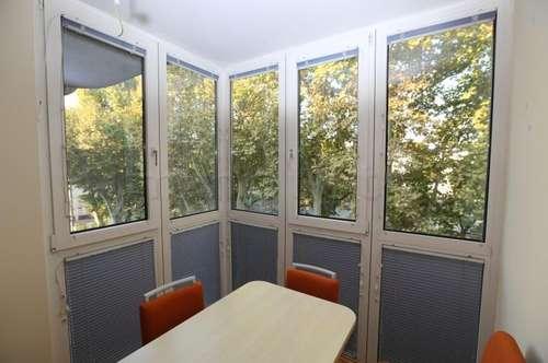 Lorenz-Bayer-Park: Moderne 3-Zi-Wohnung im 4. Liftstock mit Loggia und Tiefgaragenplatz