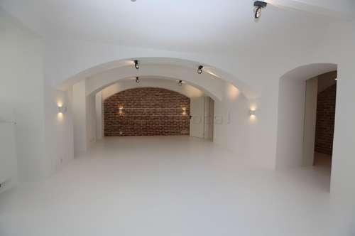 Topsaniertes, modernes Atelier / Büro im Souterrain