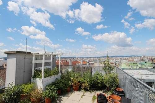 Lichtdurchflutete Traumwohnung mit Terrasse UND Dachgartenbenützung