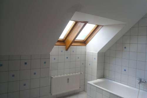 Neu - Sanierte DG Wohnung mit Rundumblick auf Villach in Zentrumsnähe