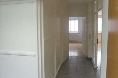Auf 150 m²  Wohnen mit 5 Zimmern