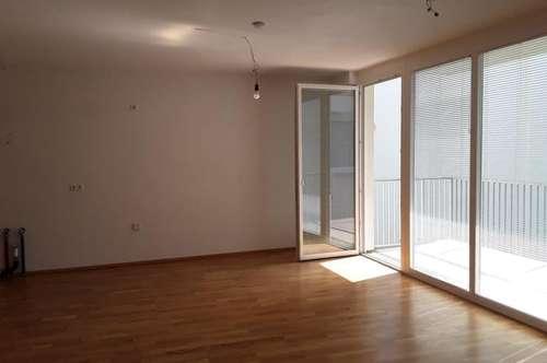 neuwertige 3 Zimmerwohnung