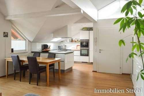 MIETE: Große 3-Zimmer-Dachgeschoßwohnung im Zentrum von Seekirchen