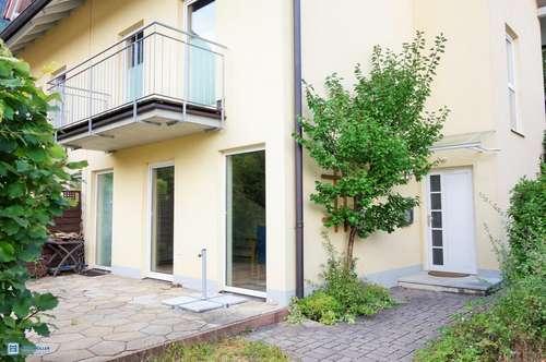 Viel Platz für Familien! Wunderbare Doppelhaushälfte mit Dachstudio in schöner Ruhelage
