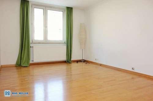 2-Zimmer-CityWohnung nahe der Linzergasse auch WG geeignet!
