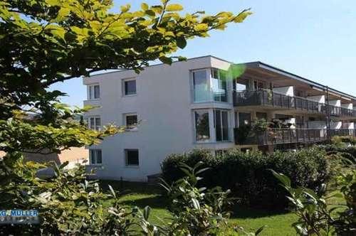 PREISGESENKT : RIF - NEU und WERTIG: 3-Zimmer Wohnung mit wunderschöner südwestseitiger Balkonterrasse