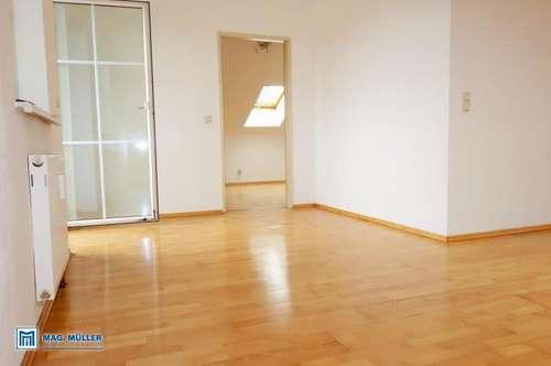 Gemütlich unterm Dach - 3-Zi-Wohnung ca. 74 m2 (60 m2) (T5) Wals-Siezenheim