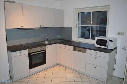 Willkommen daheim: 4 Zimmer Dachgeschoß-Wohnung mit Balkon und Pfiff...