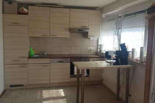 XXL 3 Zimmer Wohnung zum S Preis - Panoramablick inklusive .