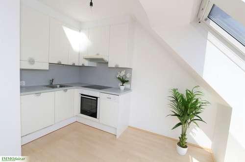 Im SONNENSCHEIN - CITY Apartment - Nähe Schlossquadrat - 2 Zimmer ca. 44 m² 2. DG Bruttomiete inkl. HZ und WW € 806,32