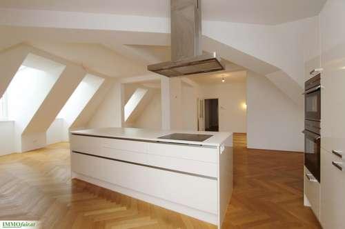 Elegante Dachgeschoßwohnung in revitalisiertem Altbaujuwel Nähe Marktplatz