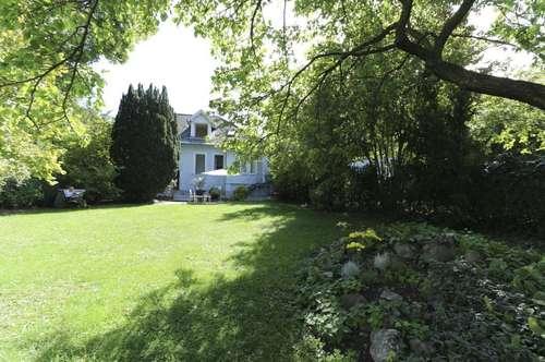 Charmante Einfamilienvilla mit idyllischem Garten