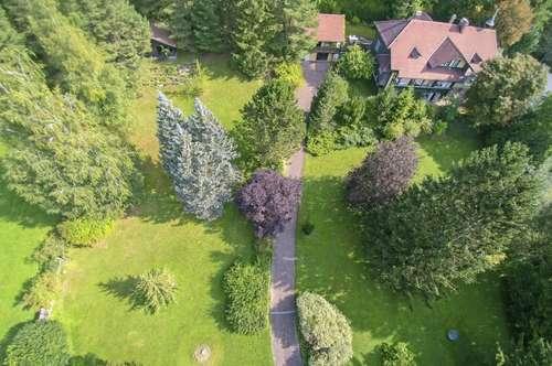 Herrschaftliches Landhaus mit großem Garten