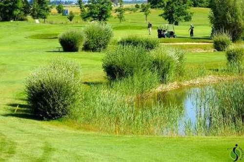 Schönes teilmöbliertes Haus direkt am Golfplatz / Beautiful partly furnished House Next to Golf Course