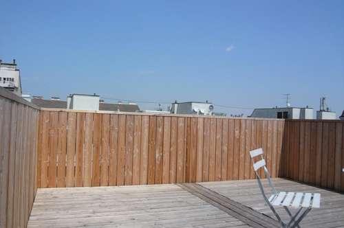 Stilvolle Terrassen-Garconniere für Sportliche