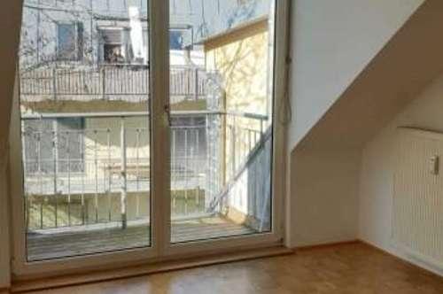 UNI Nähe: 2 Zimmer Wohnung mit Balkon , Heinrichstraße 117 - Top 3