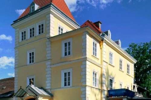 WOHNEN IM GRÜNEN - Sonnige 3 Zimmerwohnung mit Gartenanteil, in der Villa Joachim - Top 2