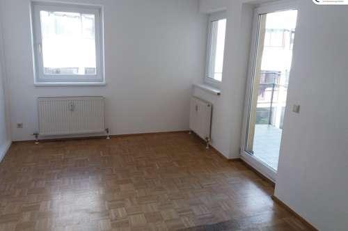 Familien-Hit: Schöne, zentrumsnahe Dreizimmer-Wohnung mit 3 Balkonen in der Mentlgasse 14 Top 13