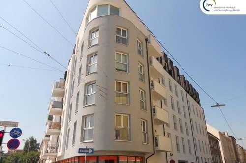Modern & hell - 2-Zimmer Dachgeschosswohnung mit Balkon - Raimundstraße 24 - Top C9