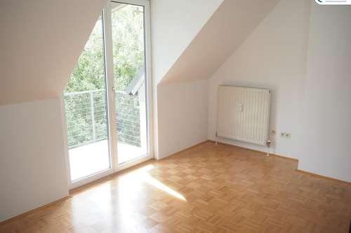 Grünoase in zentraler Lage - wunderschöne 3-Zimmer-Wohnung mit Galerie und Balkon