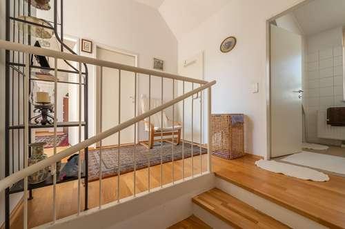 ++NEU++ Toll geschnittene 4-Zimmer DG-Maisonette mit Terrasse und Loggia, BESTLAGE in 1080!