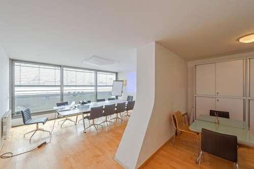 ++NEU** 2-Zimmer DG-Maisonette mit 15m² Balkon/Terrasse, WEITBLICK, absolute BESTLAGE! unbefristet!