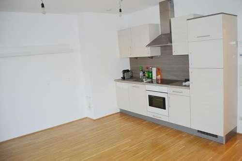 Perg: Schöne 2-Zimmerwohnung ca. 48m² & LOGGIA  + Autoabstellplatz