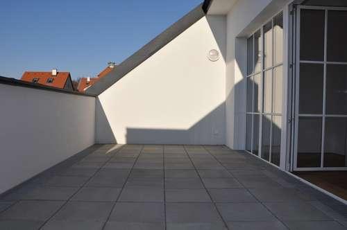 Provisionsfreier Erstbezug über 3 Etagen mit Garten & Terrasse & Dachterrasse! Garage!