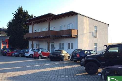 Gepflegter Zustand! Stellplätze! GEWERBEPARK DONNERSKIRCHEN - Bürohaus mit Balkon! Garten