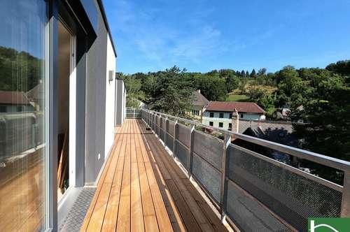 Exklusiver Wohngenuss auf 3 Ebenen - Sonnendurchflutet mit viel Platz - 2 Terrassen und Garten - PKW Stellplatz - 6 Zimmer + Ankleideraum