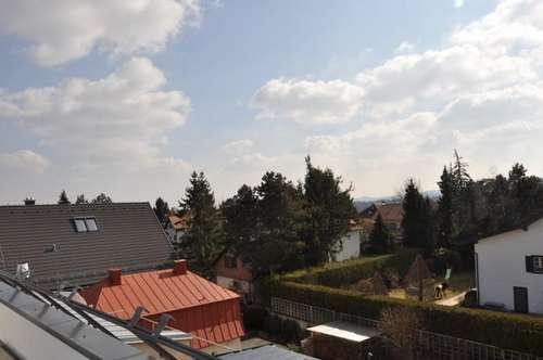 ZUR SELBSTFERTIGSTELLUNG! Erstbezugs Wohnhaus mit 3 schönen und voneinander getrennten Wohnungen! Auch als Großfamilien-Domizil! Großer Garten und Dachterrasse!