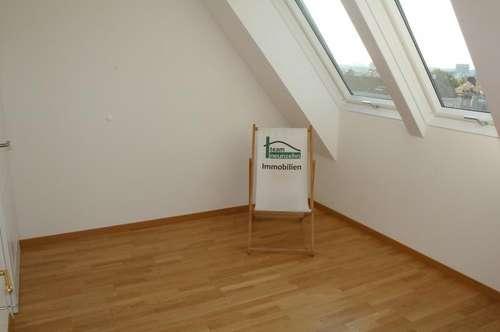 Maisonette Wohnung mit Terrasse! Ausgezeichnete Lage! Sehr geräumige Wohnküche!