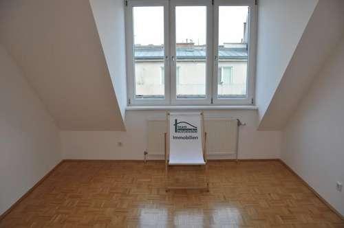 Terrassemit 10m2! Stilaltbau mit Lift! U6! Nähe Volkstheater! Zentrale Lage! Neue Küche! Neubau!