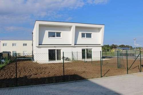Durchdachte Raumaufteilung! - Helle Doppelhaushälfte in Massivbauweise mit hochwertiger Austattung und Keller!