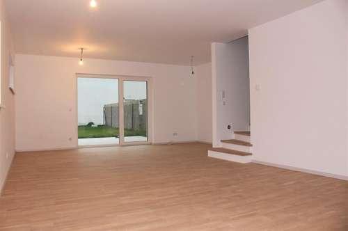 Helle Doppelhaushälfte in Massivbauweise mit hochwertiger Austattung und Keller! - Durchdachte Raumaufteilung!