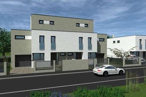 Belagsfertige Doppelhaushälfte am Riederberg mit Pool & Garage! Mitten im Grünen!