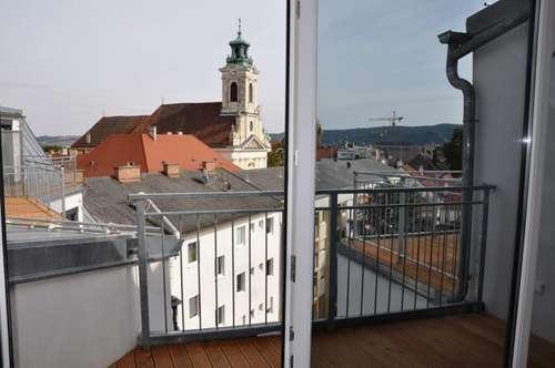 Erstbezugs DG-Maisonette mit zwei Terrassen in Hofruhelage! Lift! Garage! Toller Ausblick! Sehr hell!