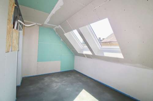NEUE 3-Zimmer Maisonette Wohnung in Top-Lage! Ab Juni beziehbar! Nähe Ottakringer Straße! Ruhige Seitengasse! Wenige Parteien! Großzügige Außenfläche!