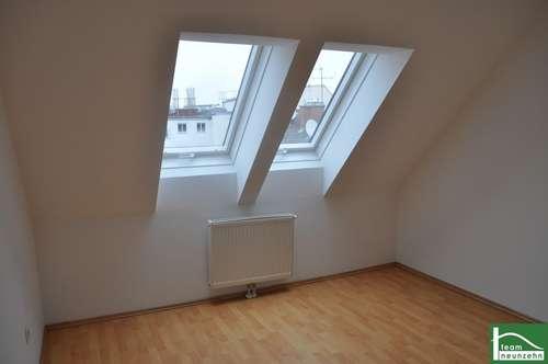 Tolle Aufteilung! Sanierter Altbau! Helle Dachgeschoss-Wohnung!